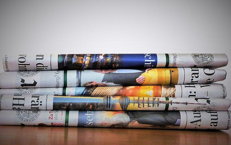 Papierkleider Modenschau