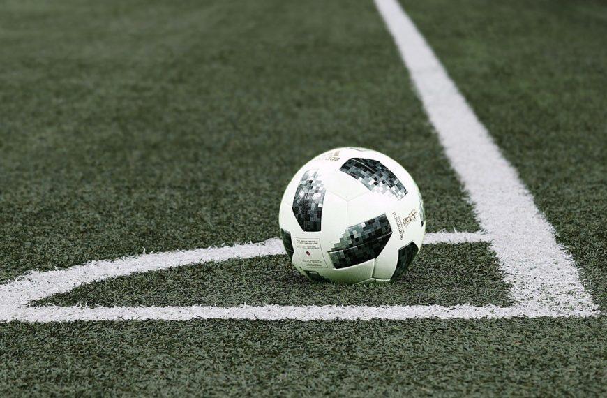 Eckball beim Fußball