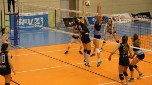 volleyball spielfeld